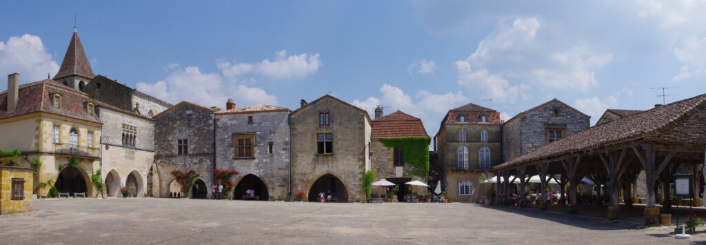 The medieval bastide town of Monpazier in the Périgord has a stunning market square with covered market and an arched walkway