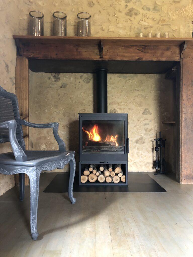 La cheminée au Mazet en Dordogne