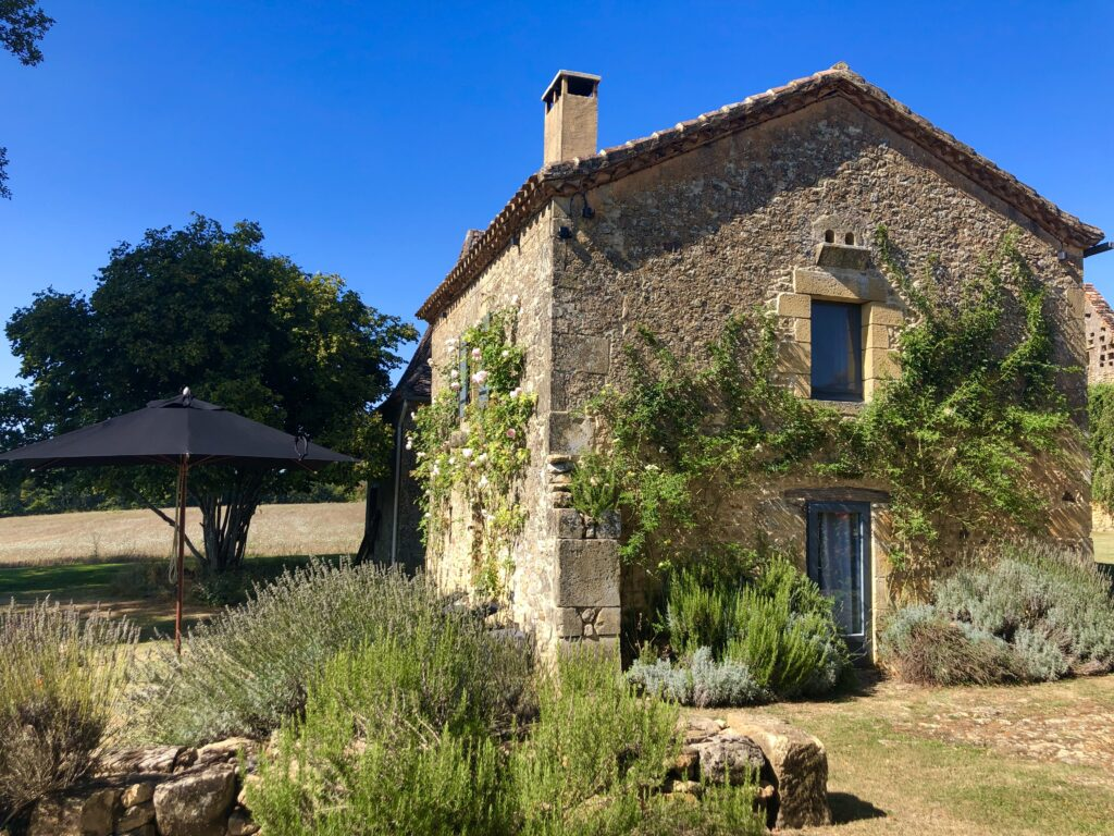 Luxury gite for two in the Dordogne, Le Mazet with stunning views and private garden
